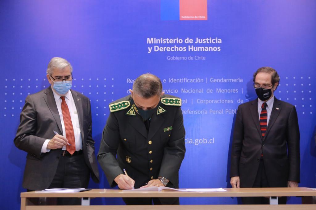 Consejo de Rectores, Ministerio de Justicia y Gendarmería establecen alianza para propiciar reinserción social de personas privadas de libertad